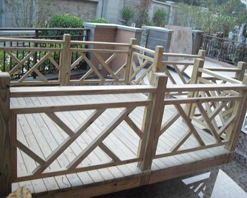 毕节防腐木栏杆